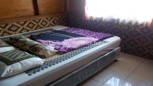 kamar tidur villa di ciater